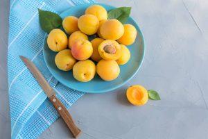 абрикосы для попугаев